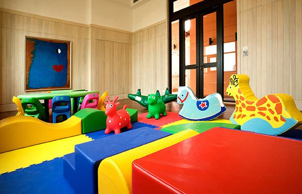Aguston-Sukhumvit-22-Bangkok-condo-for-sale-Kid's-Room